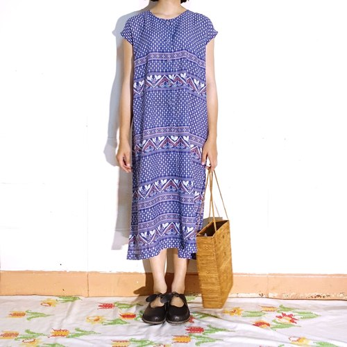BajuTua / vintage / old blue diamond pattern Floral Dress