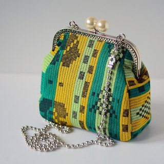 Pearl framed Purse - Sumba Dance