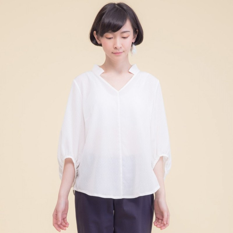 Morning dew slightest wide mouth sleeve shirt - White