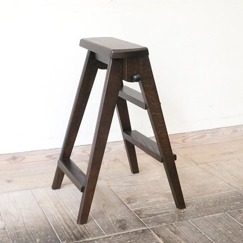 Step stool (dark brown)