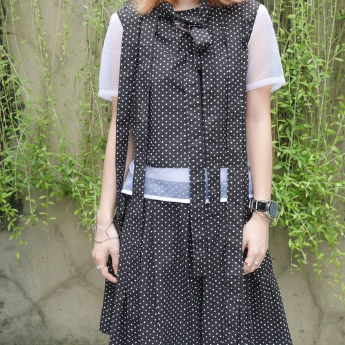 絲帶多用途圓點襯衫 Polka Dot Ribbon Patched Sheer Blouse