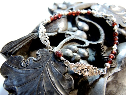 """The colour'd clouds are her flowing robe, the flower, her face Cloud flower her face"" beautiful arabesque classical Garnet 925 sterling silver bracelets"