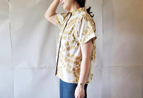Small brown leaf blouse / tops / oversize / casual / Japanese style.