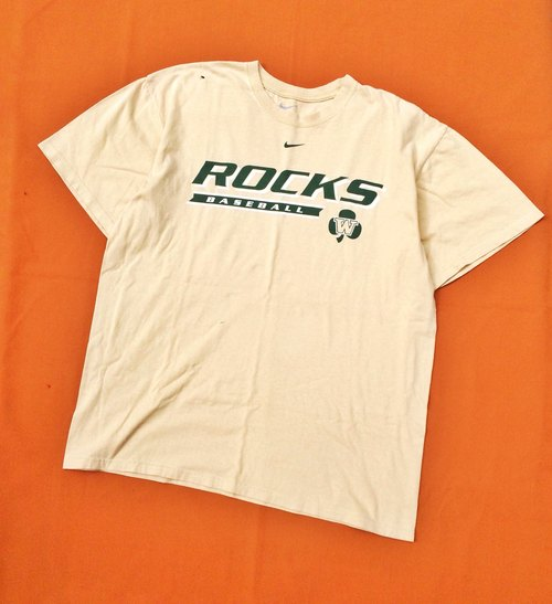 Ancient Cave firm │ │ vintage classic NIKE beige short-sleeved TEE