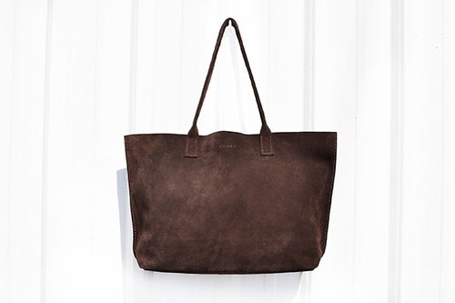Feel deep cocoa suede tote bag M