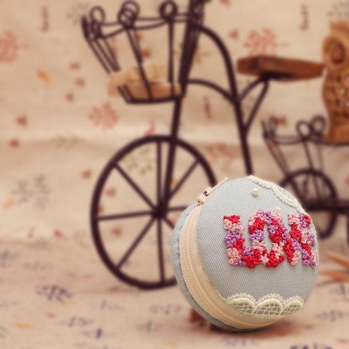 "Embroidery ♥ on ""love"" to stick together ♥ macarons purse strap key ring handmade wedding was small"