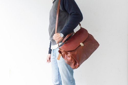 Marino Orlandi Italian leather messenger bags banana cat. Banana Cats
