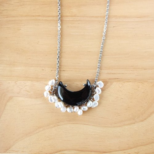 {TomorRong} moon rock || freshwater pearl black agate necklace