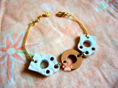 Little Polar Bear Bracelet - Share donuts