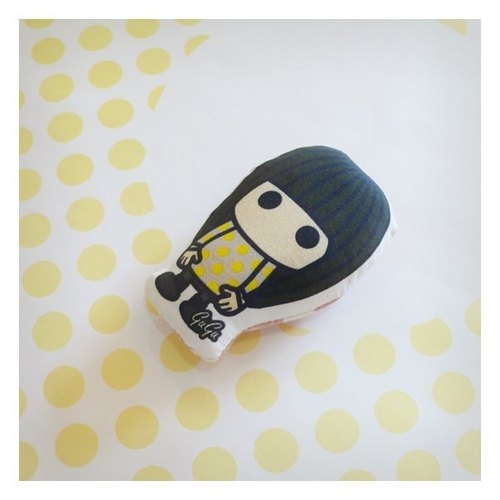 ♡ friend baby magnet ((Jessica)) ☌ little yellow macarons