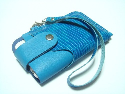 {Leatherprince 手工皮革} 台灣MIT 藍色  iPhone 純手工牛皮保護套 / iPhone 4 leather case with strap ( Blue Lizard Print )