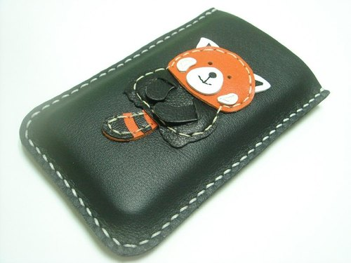 {Leatherprince 手工皮革} 台灣MIT 黑色 可愛 红熊猫 iPhone 純手工牛皮保護套 / Ray the Red Panda iPhone Leather Case ( Black )