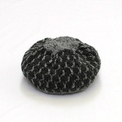 "Earth tree fair trade- ""hat Series"" - hand-woven 100% wool beret (black ink)"