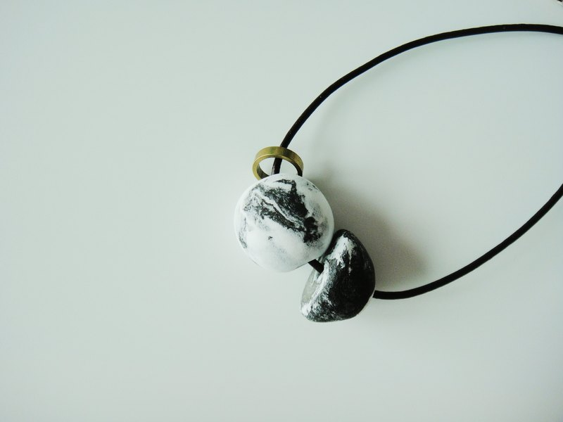 Clay Marble Black Necklace