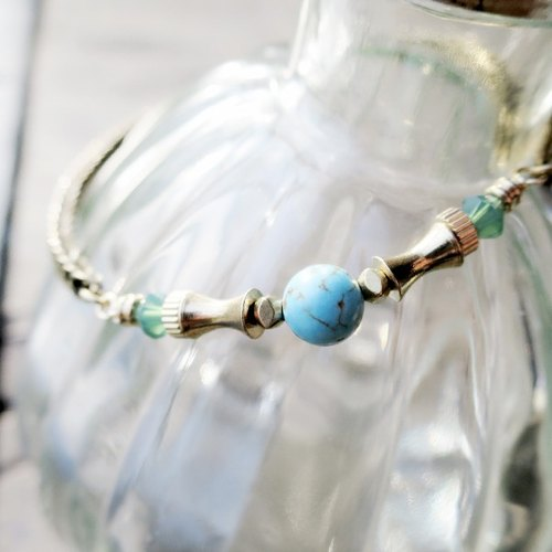 ♦ViiArt♦ Brass Bracelet with Turquoise, Czech Glass Bead