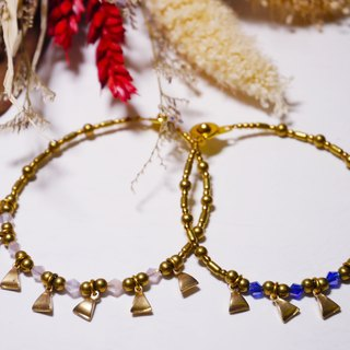 ❡ small triangle brass bracelets