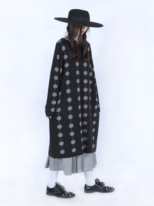 Candied fruit gray black round neck long sweater - imakokoni