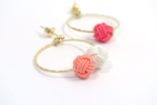 Metallic ring and Mizuhiki pierced (asymmetry Pink ×× White)