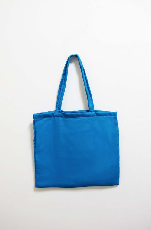 Wahr_ white through the blue bags/ shoulder bag / shopping bag