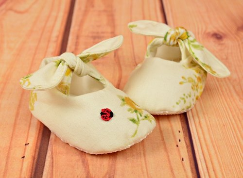 Great pastoral style handmade baby shoes