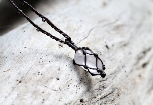▲ Omake hemp rope natural crystal necklace - quartz ▲