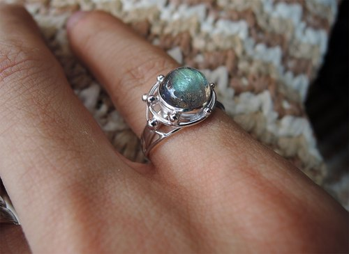 Labradorite Labradorite / planets around 925 Silver Ring