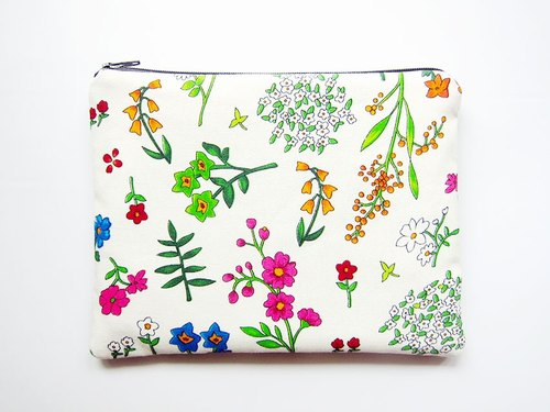 Large zipper bag / Pencil / Cosmetic white wildflowers