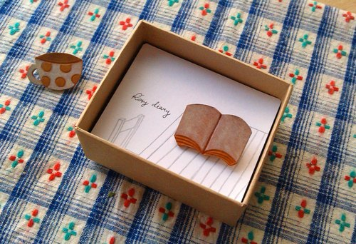 Leather small pin / book