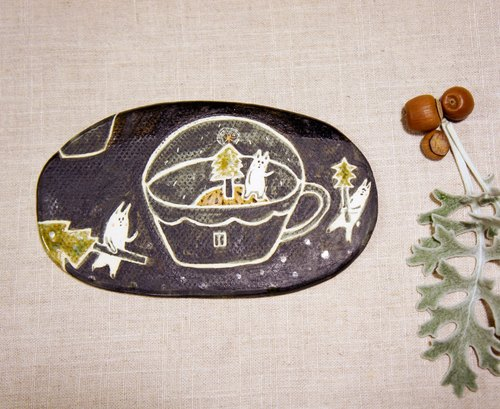 Christmas: ﹝ feel as ﹞ ceramic plate painted pottery - everyone needs a Christmas tree