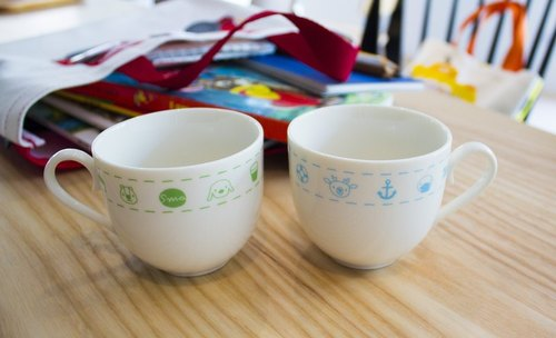 [380 yuan Christmas Gift] Original price 600 Coffee Pair Cup Set: Grass Picnic & Bathing Beach [Presentation] X'mas Small Card Coaster Set