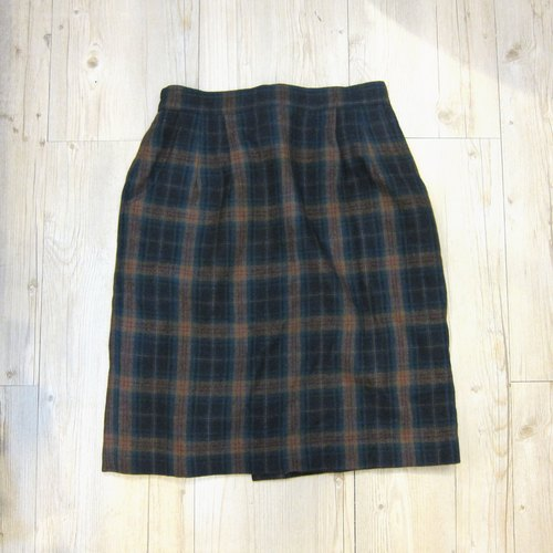 Literary girl ❄ ❄ green checkered wool skirt vintage