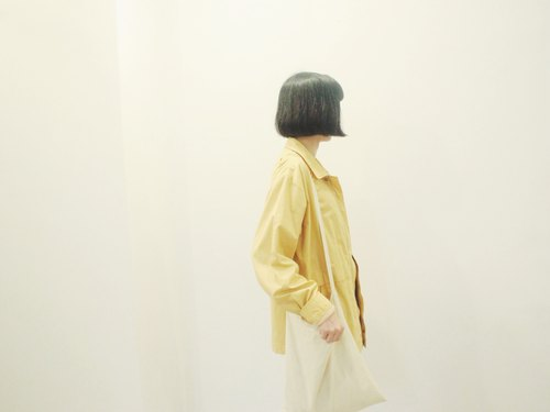 Light yellow windbreaker spring wide