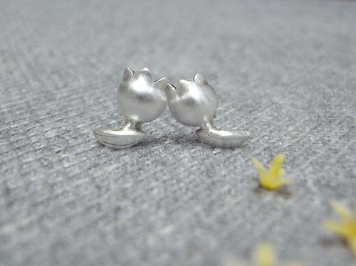 Lily Of The Valley---Tiny Flower--Sterling Silver--Silver Flower--Stud Earrings
