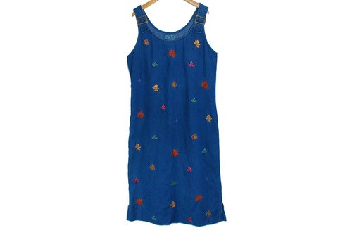 {::: Giraffe giraffe who :::} _ dark blue denim dress embroidered vintage Maple Leaf