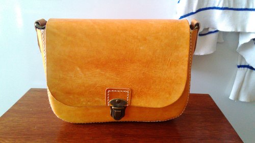 Hand-stitched leather bag / Petty Female Dating Bag buckle messenger bag (small) - Sold / build dyeable