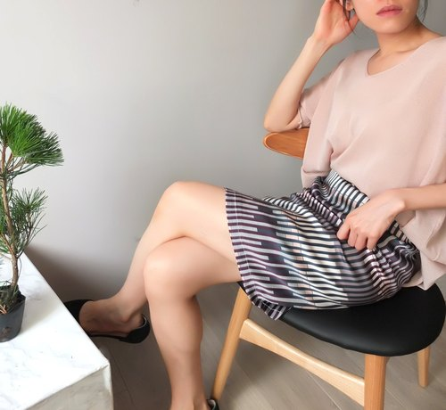 Silk striped skirt staggered line geometry {limit}