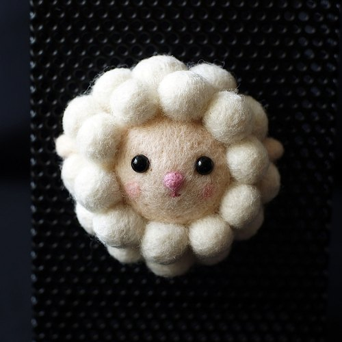 Wool felt small things - chubby sheep magnet