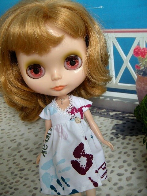 Blythe small cloth doll dress skirt even fresh Necklace