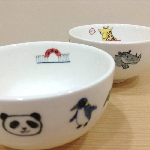 """The zoo"" animal friends - hand-painted round bowl"