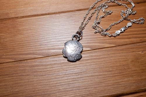 Dreamstation leather Pao Institute, US One dollar coin Liberty style necklace Silver necklace hippie, Harley, heavy machinery