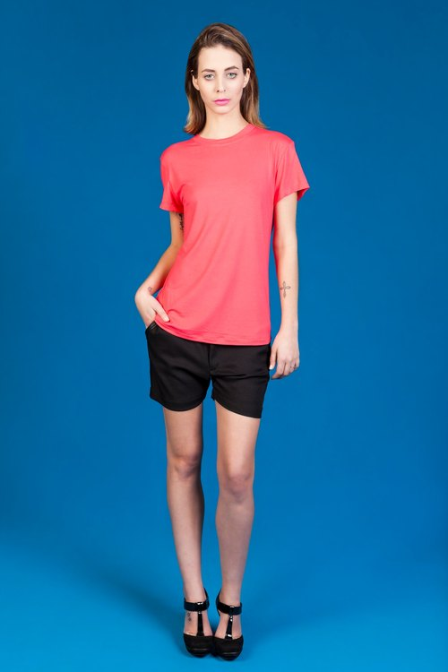 THE EASY TEE - CORAL COLOUR