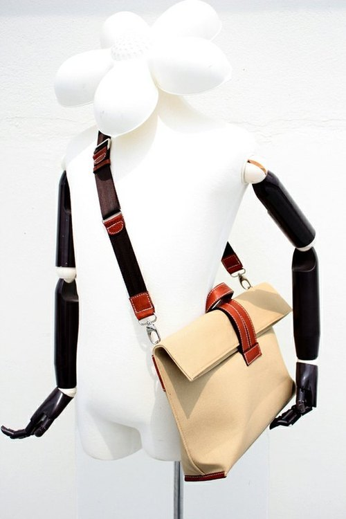 十字交叉包 Criss-cross Bag (light brown)