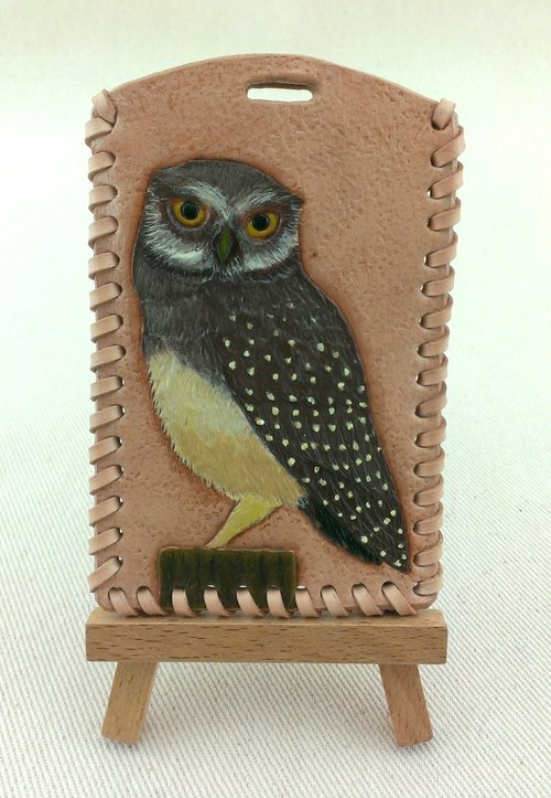 No elbow grease. Owl blessing. Hand-carved leather travel card sets / purse / identification card set
