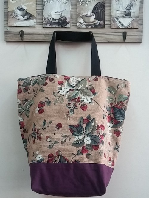 14-inch brown bottom leaves flowers strawberry fruit idyllic zipper (brown) Hand Printed Tote