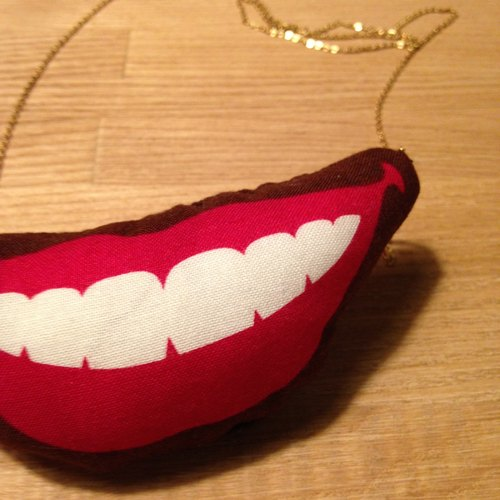 "You are my ""mouth"" _ sexy lips necklace"