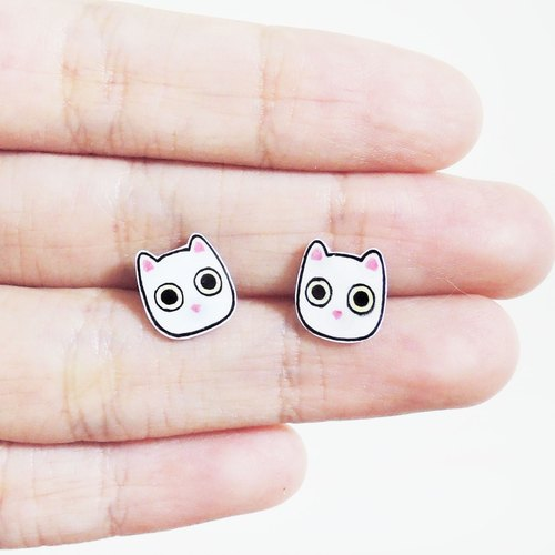 Small white cat allergy needle earrings ear