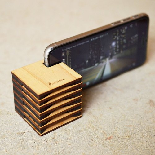 iPhone cell phone holder special wooden speaker CUBE fir material