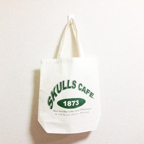 SKULLS CAFE tote bag # .003 (Natural × Green)