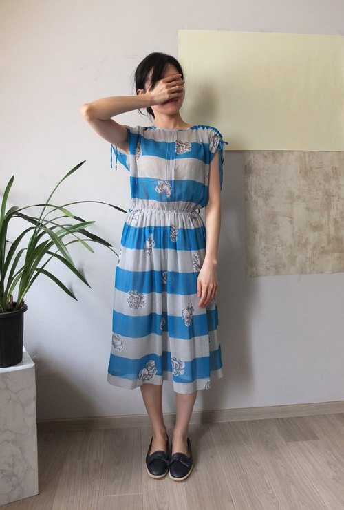 MétaFormose's pick ancient Japanese print dress with turquoise line