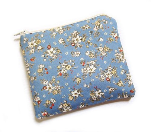 Zipper bag / purse / mobile phone sets of small white flowers
